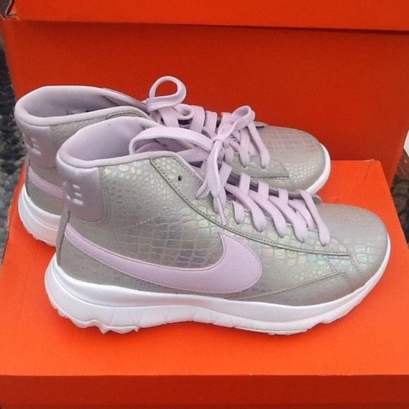 1fb5e07e17e Brand New Nike Women s Golf shoes blazers pink sz8